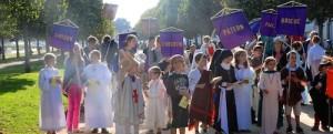 Evangélisation rue défilé enfants